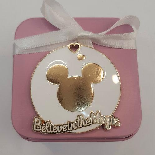 Boite métal avec aimant Disney