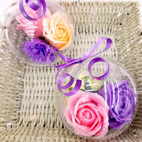 Boule plexi avec 3 fleurs de savon