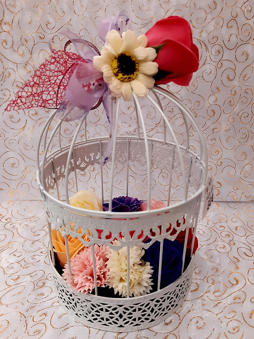 Cage garnie de fleurs de savon