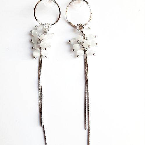 Boucles d'oreilles grappes perlées pendantes