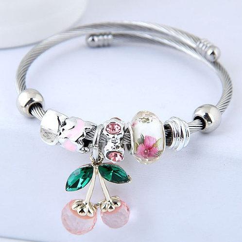 Bracelet rigide breloques cerise rose
