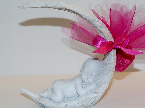 Bébé blanc dans plume