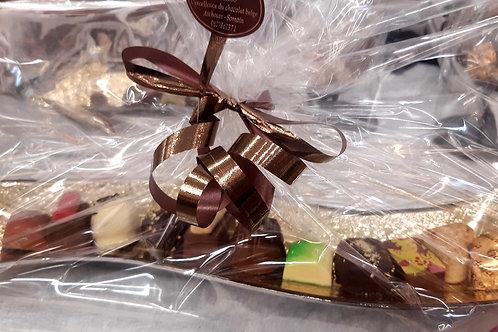 Plateau long doré avec 150 grs de chocolats