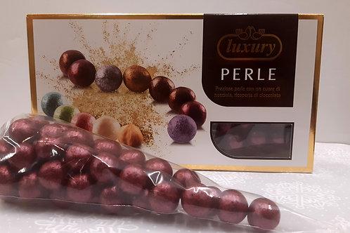 Dragées perle noisette couleur bordeaux