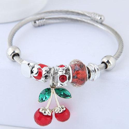 Bracelet rigide breloques cerise rouge