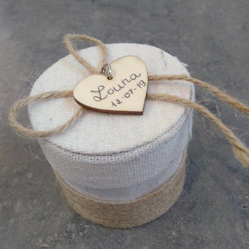 Boite ronde coeur en bois personnalisable