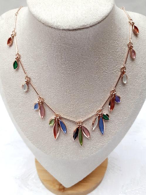 Collier feuilles pendantes
