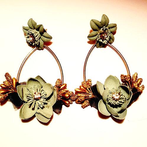 Boucles d'oreilles fleurs tissu vertes