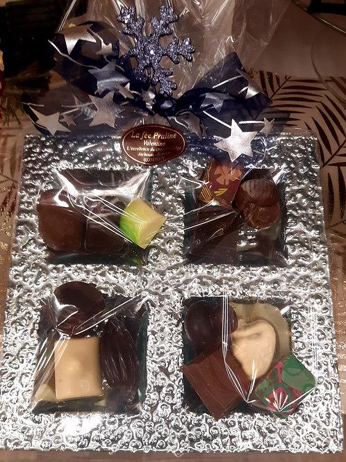 Plateau 4 cases argentés avec 170 grs de chocolats