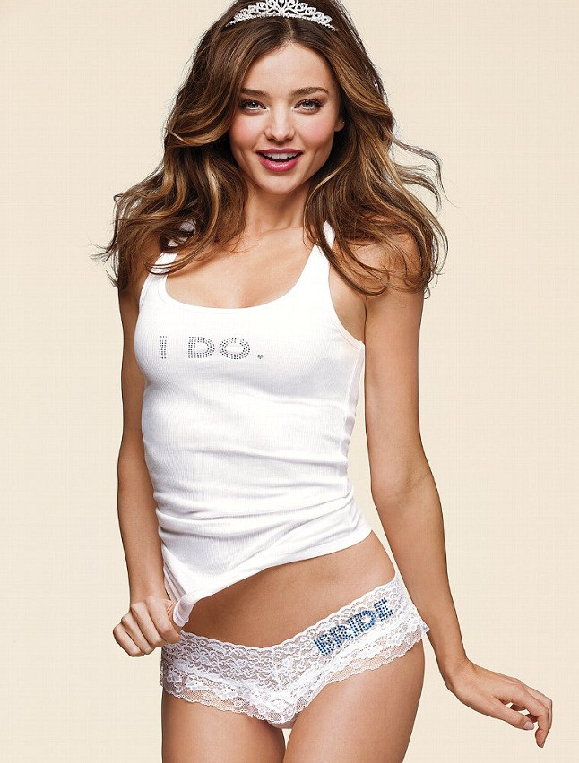 Miranda-Kerr-Bridal-VS7