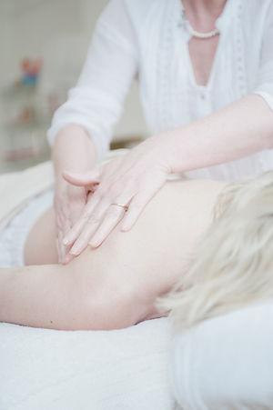 massage-650879_1920.jpg