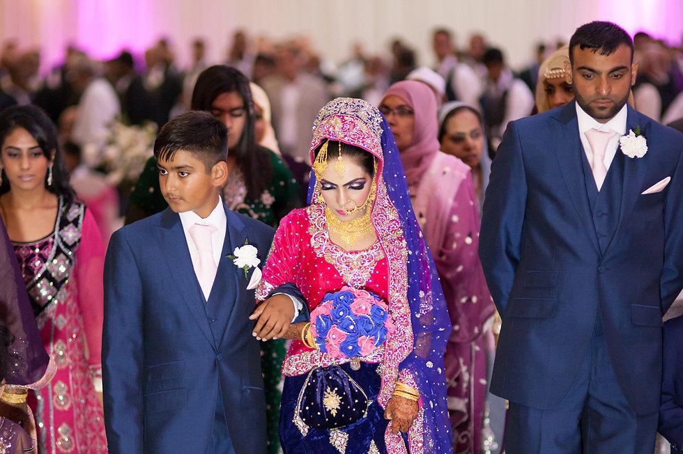 Bride arrives at ceremony