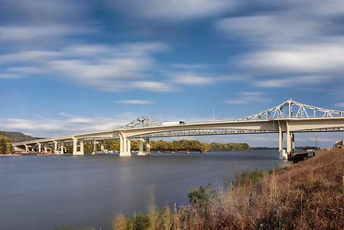 Winona Bridge 85851 (1).jpg