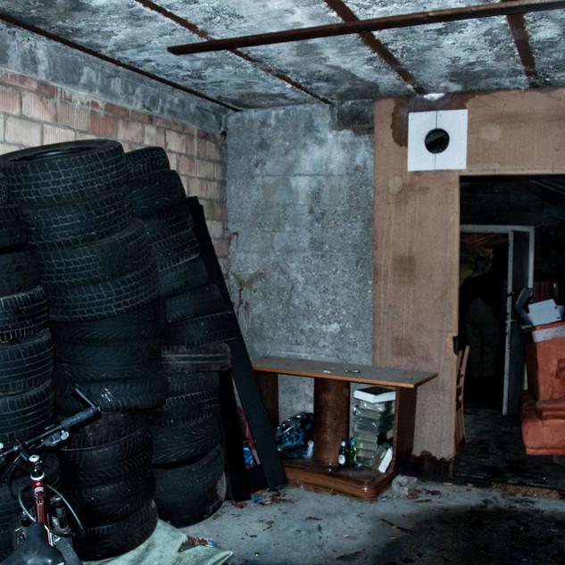 Der heutige Waschraum wurde als Pneulager genutzt
