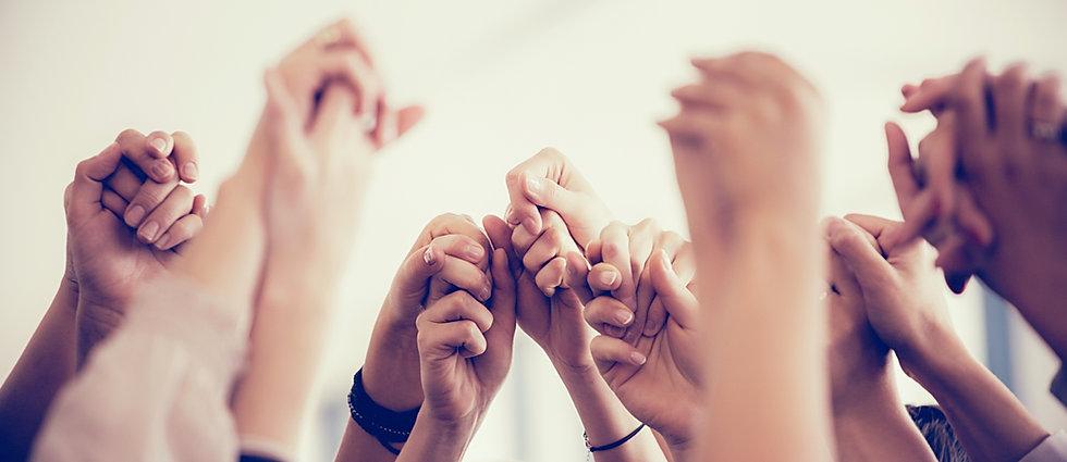 Mulheres Mãos Dadas