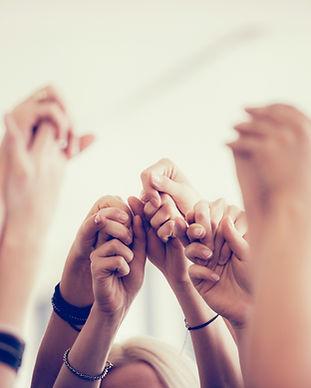 Kvinder Holding Hands