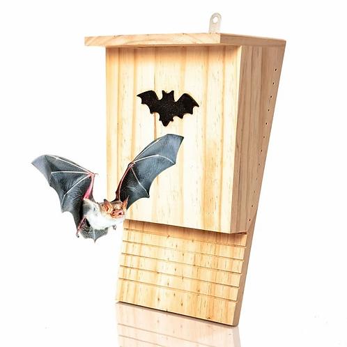 Nachhaltige Fledermaushöhle aus Naturholz für den Garten
