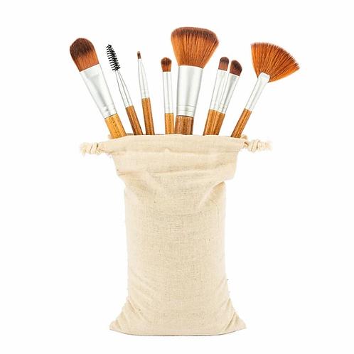 8 teiliges MakeUp Pinsel - Set mit Griff aus Bambus inkl. schöner Tasche