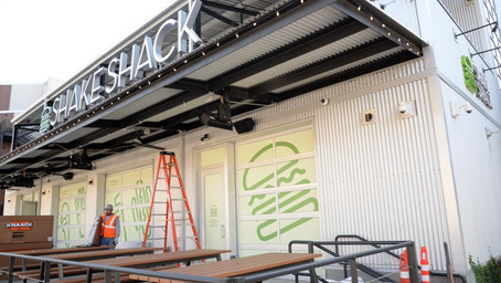 Shake Shack Opening Donates Meals to Sacramento LGBT Community Center