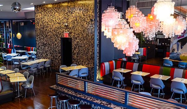 Dining room inside Elmo Restaurant