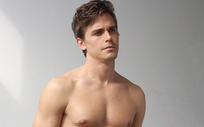Gay Antoni Porowski shirtless