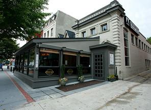 Annie's Paramount Steakhouse Receives James Beard American Classics Award