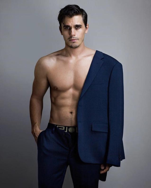 Antoni Porowski shirtless