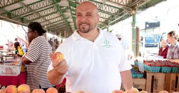 Jonathan Bardzik at a farmers market