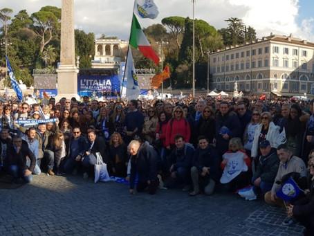 """""""Prima gli italiani - #dalleparoleaifatti"""": in Piazza del Popolo 80mila per Salvini"""
