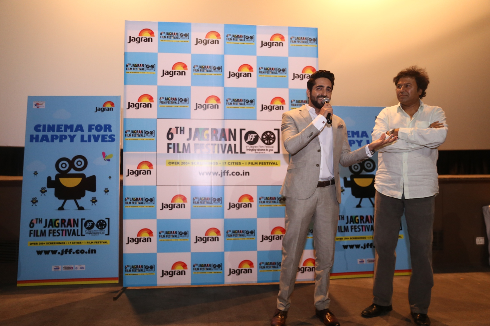 Ayushmann-Khurrana-Manoj-Shrivastava-Strategic-Consultant-JFF-at-the-6th-Jagran-Film-Festival