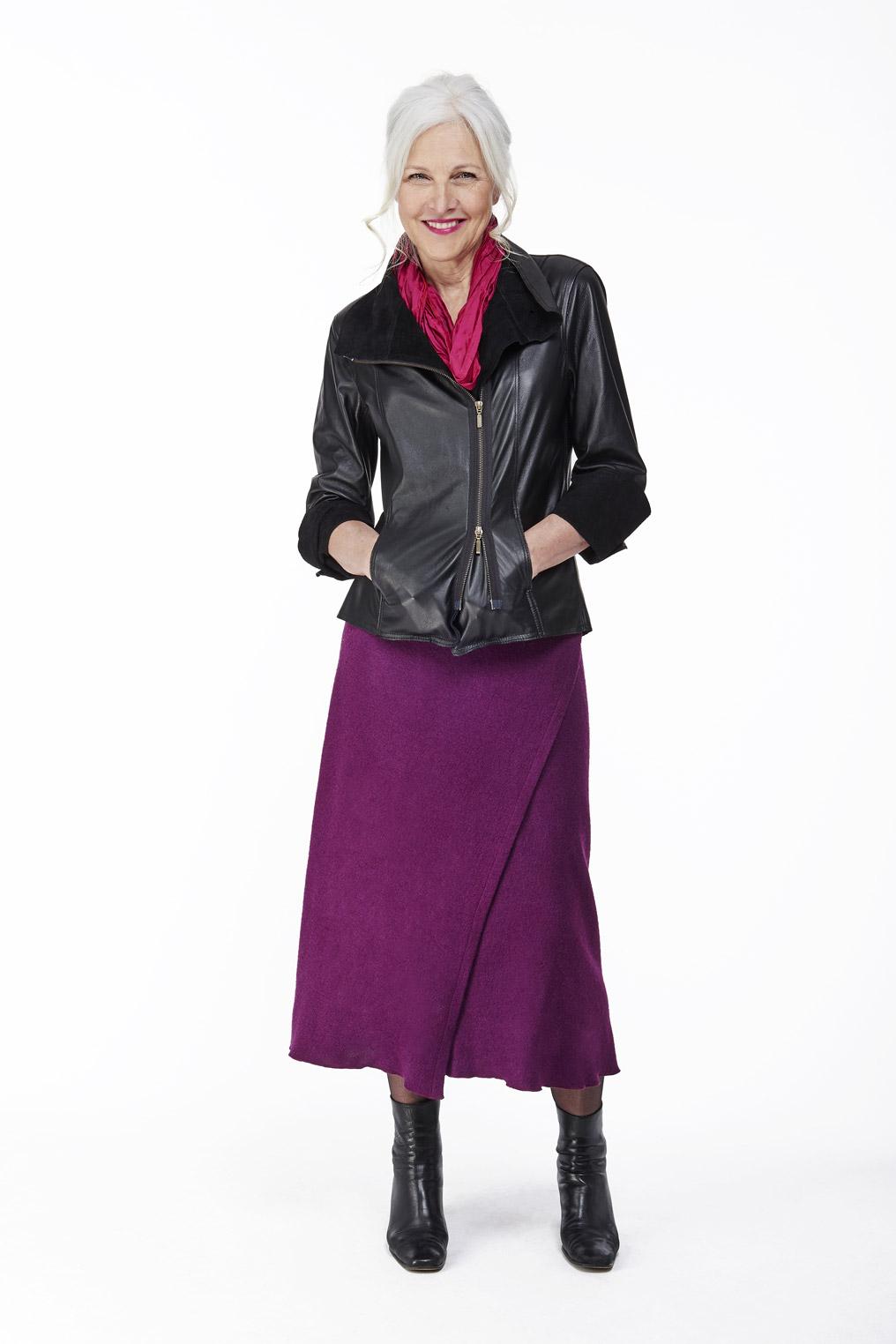 Veste de cuir - jupe longue