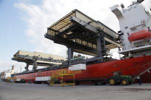 Porto de Aracruz alcança marca de 100 mi de toneladas de celulose movimentadas