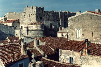 La Proloco di Vico del Gargano invita i turisti a visitare il meraviglioso centro storico