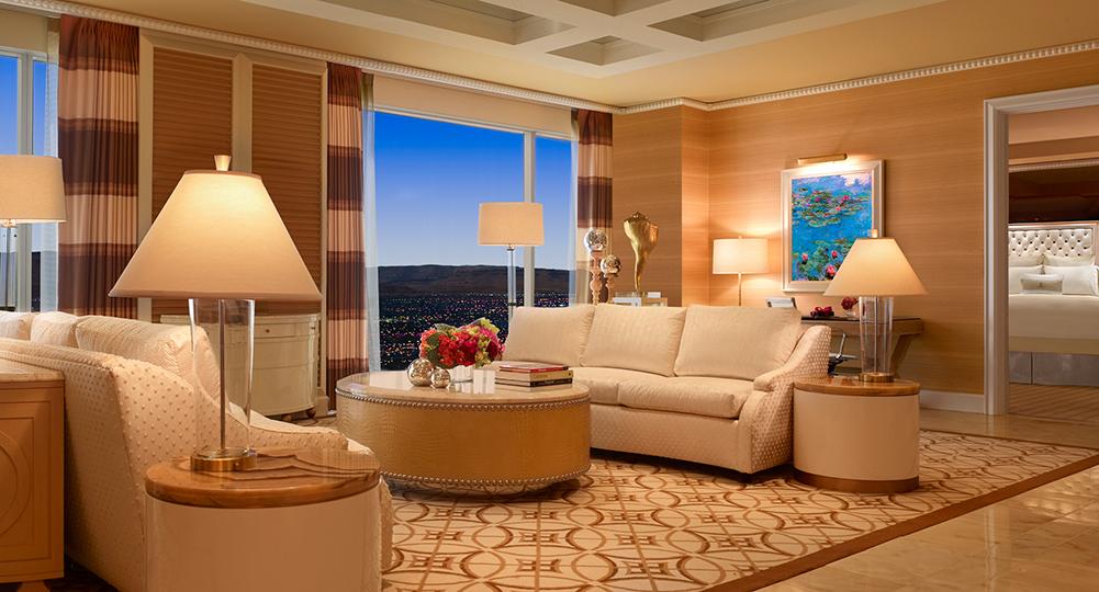 119_Wynn_Salon_Suite_Living_Room_Barbara