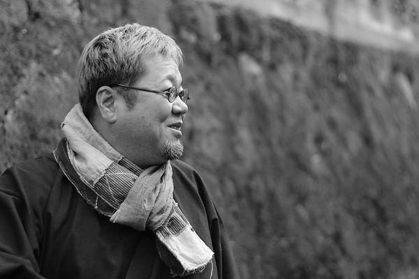 北九州市出身の墨彩画家・書家・和体書デザイナー 御木幽石