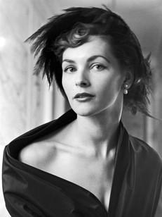 Женщина Dior