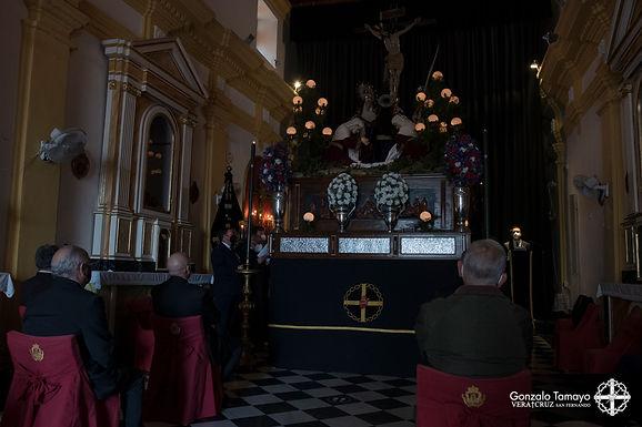 Con el rezo del Vía-Crucis dio comienzo la veneración a nuestros Amantísimos Titulares