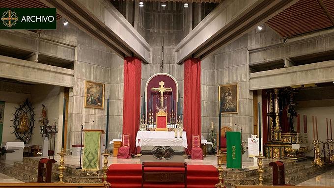 La reliquia del Santo Lignum Crucis ya preside la Parroquia del Santo Cristo