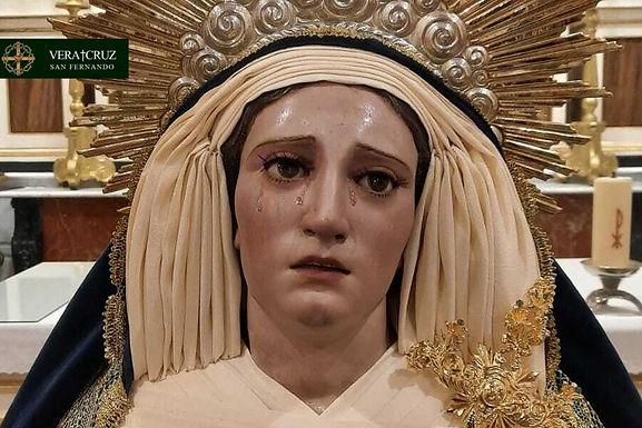 Nuestra Señora del Mayor Dolor ataviada para el tiempo de Adviento