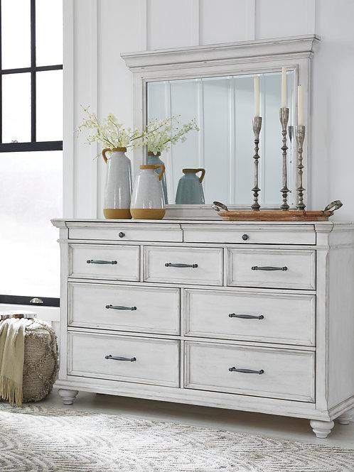 Kanwyn Vintage White Dresser