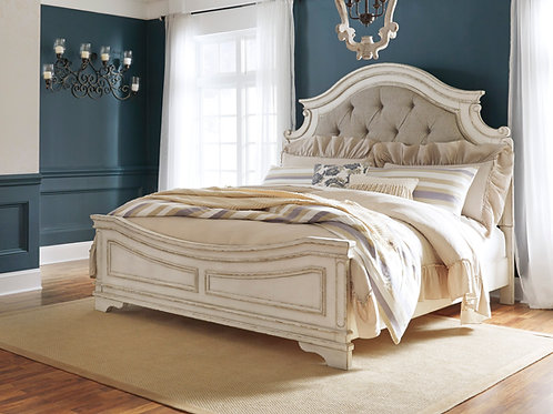 Realyn Upholstered Queen Bed