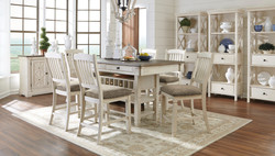 Bolanburg Dining Collection