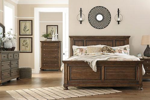Flynnter Queen Panel Bedroom Set