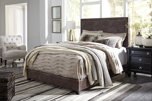 Dolante Chocolate Upholstered Queen Bed