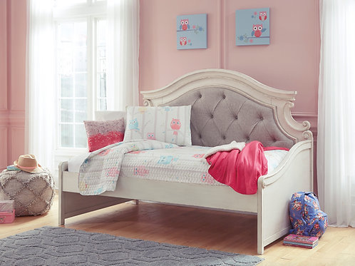 Realyn Antique White Twin Daybed