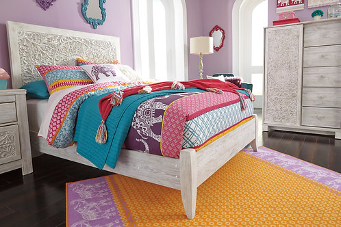 Paxberry White Washed Full Size Bed