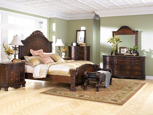 North Shore Queen Panel Bedroom Set