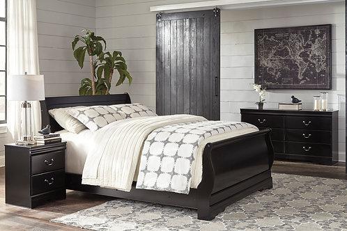Huey Vineyard Queen Bedroom Set