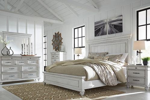 Kanwyn Vintage White Queen Panel Bedroom Set