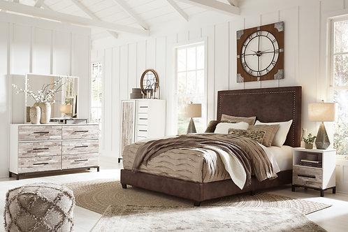 Dolante Upholstered Bed & Evanni Bedroom Set